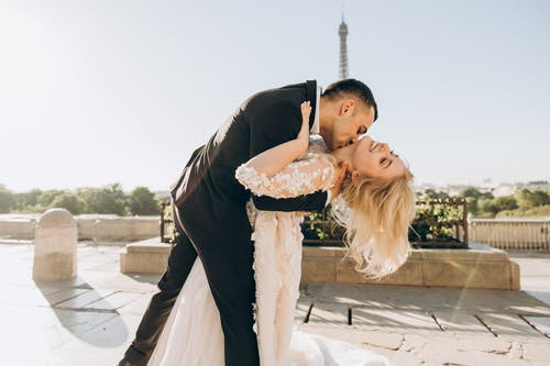 Weddings: How Happy Is the Happiest Day of Our Lives?