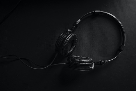 How To Choose the Best Headphones Which One is Right for You