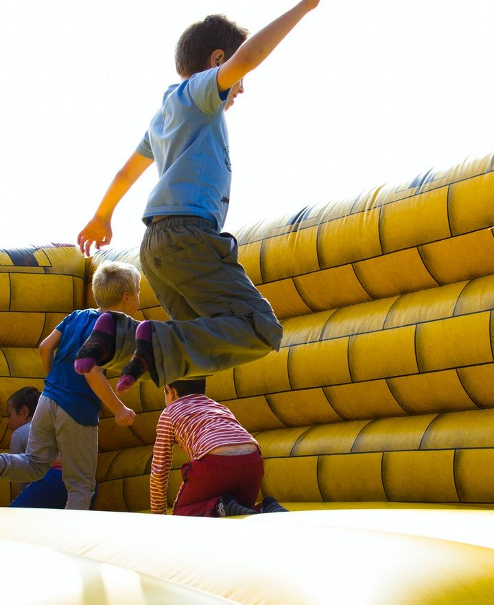 Factors to Consider when Choosing a Bounce House